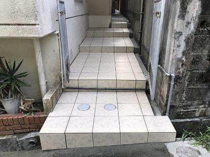 西原町★外階段タイル貼り工事