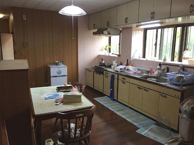 キッチンのリフォーム施工前2