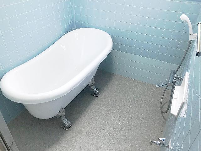 浴室床張替え